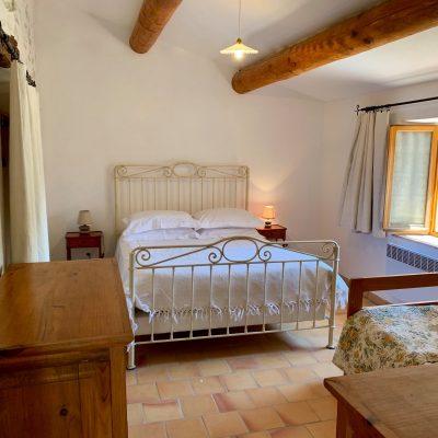 Chambre nord - Maison authentique Haute Provence - Simiane-la-Rotonde