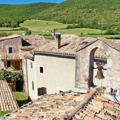 Authentic Haute Provence house - Simiane-la-Rotonde - Exterior view
